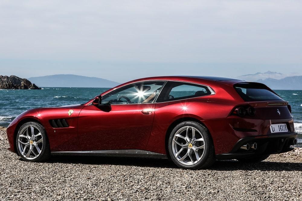 フェラーリ GTC4ルッソT