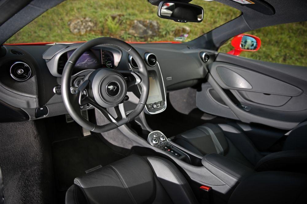 マクラーレン 540Cクーペ